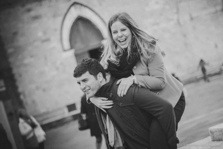 engagement in tuscany siena roberto panciatici wedding photographer
