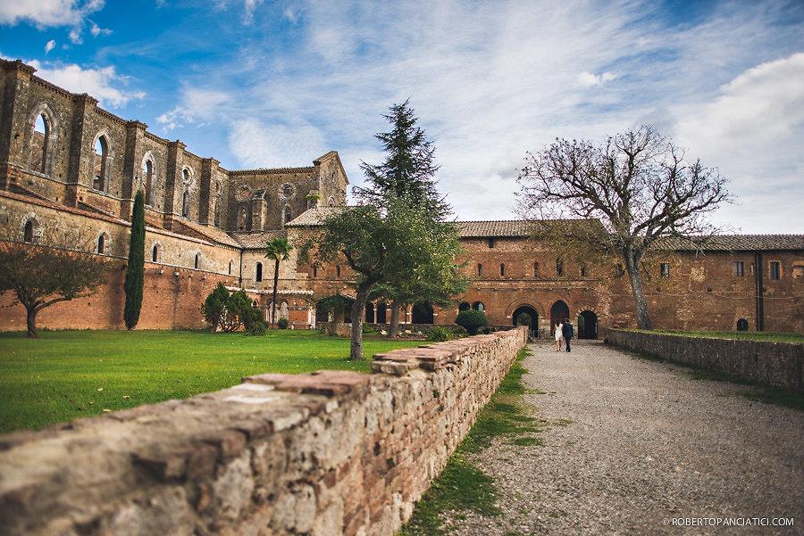 borgo-santo-pietro-engagement-in-tuscany-Roberto-Panciatici-Photography-68