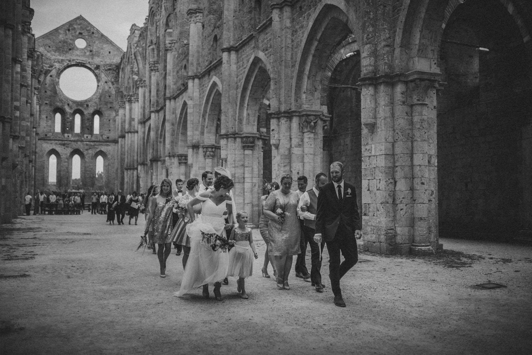 050-wedding-san-galgano-abbey-roberto-panciatici-photography