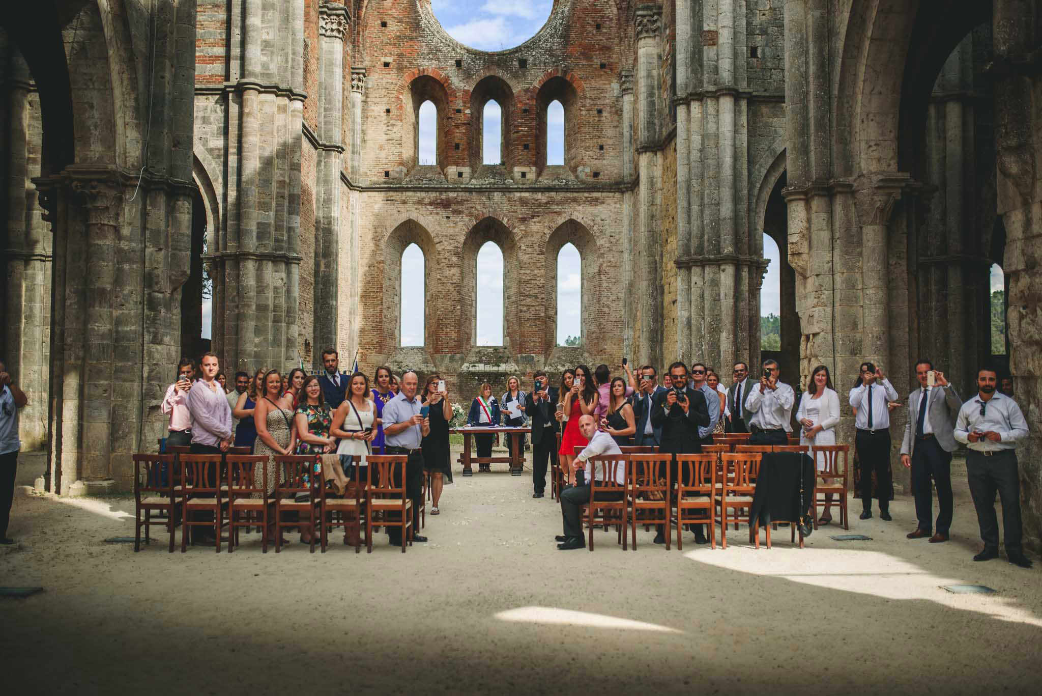 wedding in saint galgano abbey