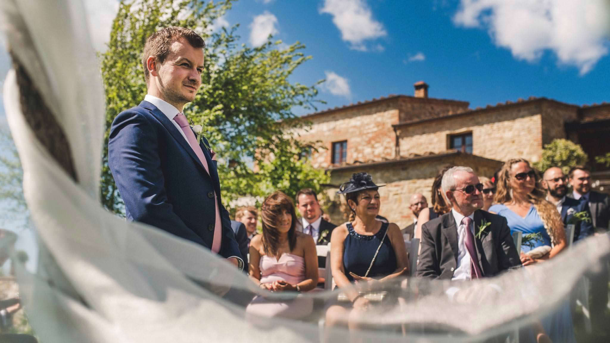 wedding photgorapher in Tuscany - The Lazy Olive