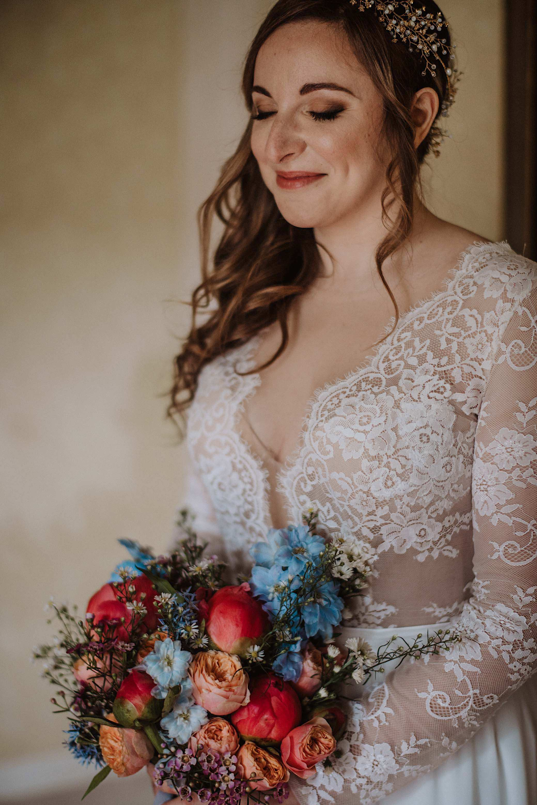 bride portrait at convento dell annunciata wedding photography